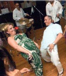 Groom-Dancing