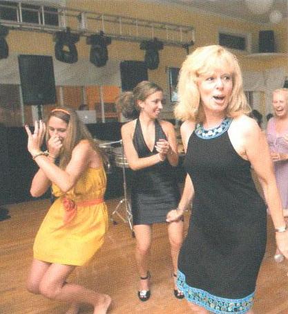 Teen-Girls-Dance