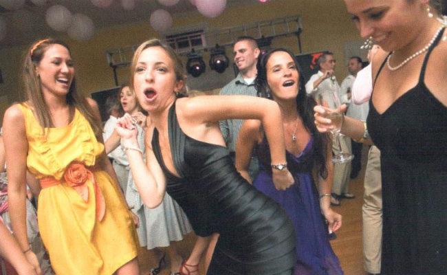 Teen-Girls-Dancing